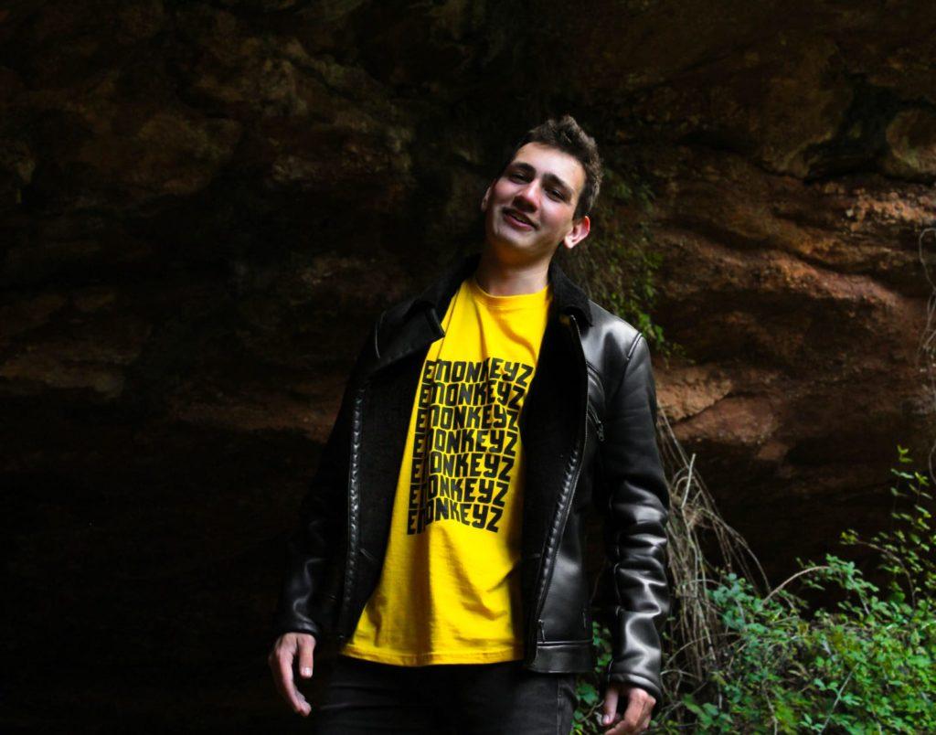 Foto camiseta emonkeyz 1